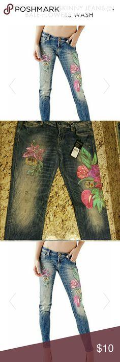 ISO. I'm looking for them,Jean's Guess Sz.29-30-31 I appreciate it if you would help me ...thanks ! Guess Jeans