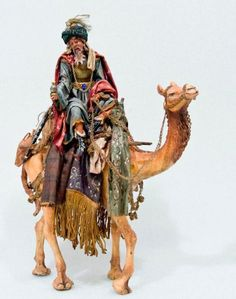 """Algunos hispanohablantes creen que solo uno de los Reyes Magos viajó en camello.  """"Melchor (o Magalath en hebreo y Apellicon en griego), rey de los árabes al que se le describe como un anciano de piel blanca y con barba del mismo color que viajaba en un CAMELLO."""""""