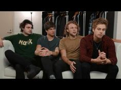 5 Seconds of Summer – Rock Out With Your Socks Out (Vevo Tour Exposed) Music never stops. Get the Vevo App! King Meme, Watch Youtube Videos, Most Viral Videos, Latest Celebrity News, Second Of Summer, Cool Bands, All About Time, Music Videos, Hilarious