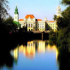 Oradea, on the border between Romania and Hungary. Source: capreoara k Hungary, Fun Stuff, Mansions, Night, House Styles, City, Places, Beautiful, Romania