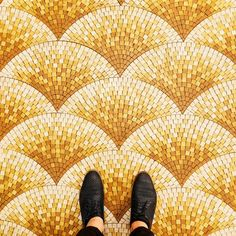 Плитка под ногами фотографа Sebastian Erras (Интернет-журнал ETODAY)