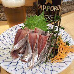 いいね!91件、コメント3件 ― rosa49さん(@rosa.49)のInstagramアカウント: 「ヒトと飲む予定はいらなかった金曜日…ということで #馴染み #中野 #英鮨 #ルーティーン 今日は #青森産 の #イワシ らしい… #キラキラ #イイ仕事 #japanesefood #sushi…」