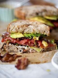These marinated tomato BLTs are fantastic! Made with marinated tomatoes, crispy bacon, sourdough and avocado, they are a summer dream dinner! Marinating the tomatoes takes this to the next level and it's a must-try for your garden tomatoes! Sandwiches For Lunch, Delicious Sandwiches, Wrap Sandwiches, Sandwich Ideas, Sandwich Recipes, Lunch Recipes, Summer Recipes, New Recipes, Dinner Recipes