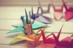 pajaritas de papel de colores