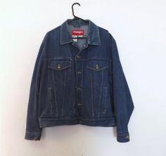 Vintage Retro 1970s 80s Mens Wrangler Hero Jacket Blue Denim Country Western Cotton Coat Size Large Rustic Trucker Cut Unisex Farm Hipster