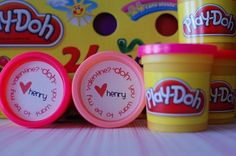 Cute idea and who doesn't like Play-Doh? *Random Thoughts of a SUPERMOM!*: Play-Doh Valentines with Printable Labels Valentines Day Food, Homemade Valentines Day Cards, Printable Valentines Day Cards, Kinder Valentines, Valentine Day Crafts, Be My Valentine, Valentine Ideas, Valentines Design, Valentine Party