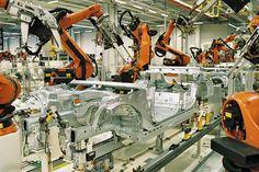 """Fráncfort – El ministro alemán de Economía advirtió este lunes a Donald Trump contra la instauración de una tasa del 35% de impuesto a BMW, sobre las importaciones de vehículos producidos por fabricantes alemanes fuera de Estados Unidos, que podría afectar a la empresa alemana según el futuro presidente estadunidense. """"De esta situación, la industria …"""