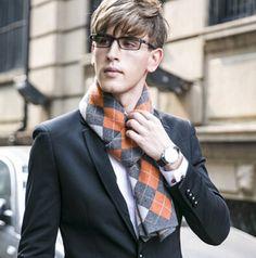 http://www.buyhathats.com/fashion-plaid-cashmere-scarf-men-autumn-wear.html