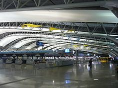 Aeropuerto Internacional de Kansai Osaka, Japón Renzo Piano, Autocad, Kansai International Airport, Sydney Harbour Bridge, Bing Images, Around The Worlds, Building, Travel, Airports