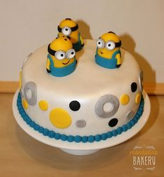 Despicable Me Birthday Party cake