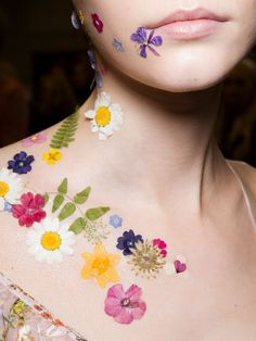 """Photo of See How MAC Cosmetics Transformed Preen's Runway Models Into """"Flower Girls"""" Makeup Stickers, Flower Makeup, Floral Bodies, Aaliyah, Face Art, Makeup Art, Makeup Ideas, Face And Body, Makeup Inspiration"""