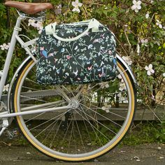 Basil Wanderlust Carry All Pannier Bike Bag - Charcoal   Cyclechic   Cyclechic