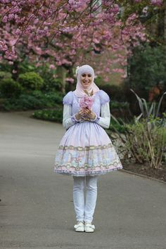 #sweetlolita | #hijab Hijablolita is such a pretty lolita~ The only thing that could be fixed is to replace the trousers with stockings, but of course (I don't know much about islam) if it's for religious purposes, it's perfect! Estilo Harajuku, Harajuku Mode, Harajuku Fashion, Lolita Fashion, Moda Lolita, Lolita Mode, Lolita Cosplay, Japanese Fashion, Asian Fashion