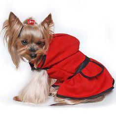 8826b49295 Piros kutyaruha viszkóz anyagból. Nagy kapucnis, szoknyás, bélése nincs. A  szoknya részen