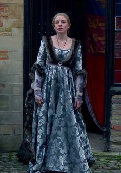 Burgundy gown. Elizabeth Woodville, The White Queen
