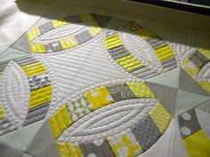 Sew Kind Of Wonderful: Quilting on the DWR : Fi rst off, I just want to say th anks to all the sweet comments on our new quilts and the nice. Longarm Quilting, Free Motion Quilting, Machine Quilting, Baby Patchwork Quilt, Applique Quilts, Sew Kind Of Wonderful, Straight Line Quilting, Straight Lines, Quilting Designs