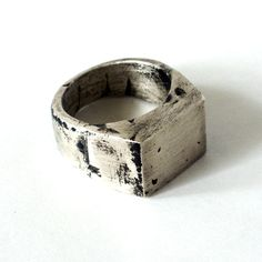 The Signum is Vim Beget's version of the classic Signet Ring. Cast in Sterling Silver and individually blackened, sanded and polished to make each unique to itself. The wearing of Signet rings dates back to ancient Egypt and was of utmost importance in Roman society.