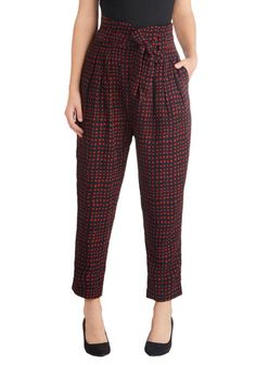 $59.99 Lair and Square Pants - Blue, Checkered / Gingham, Good, Pleats, Pockets, Belted, 60s, High Waist, Cropped, Red, Vintage Inspired, Woven, Me...