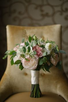 Pretty bouquet: http://www.stylemepretty.com/oregon-weddings/forest-grove/2015/04/24/romantic-forest-grove-wedding/ | Photography: Briana Morrison - http://brianamorrison.com/