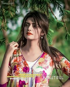Stylish dpz for girlz Girl Photo Poses, Girl Photos, Girls Dp, Cute Girls, Stylish Dpz, Shaved Sides, Diva, Wonder Woman, Superhero