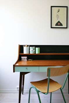 ★Fabulous restoration idea as I have a 1950's cabinet to restore and wanted to paint it mint green but my boyfriend wants to keep the wood. Perfect solution!