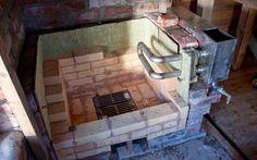 Pölyistä puuhaa   Maaliskuinen lämpöaalto ja kaasulämmitin mahdollistivat kiukaan muuraamisen aloittamisen ennen kevättä. Ohuena kerroksen...
