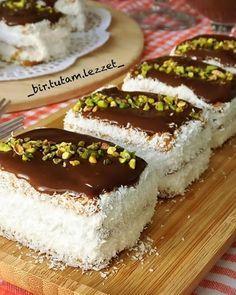 Image may contain: food Turkish Recipes, Ethnic Recipes, Pasta Cake, Turkish Delight, Tiramisu, Oreo, Yogurt, Food To Make, Tart