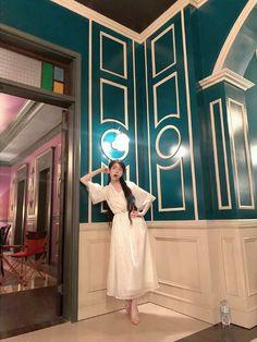 Luna Fashion, Blackpink Fashion, Korean Fashion, Classy Outfits, Cool Outfits, Korean Actresses, Pretty Men, Korean Celebrities, You're Awesome