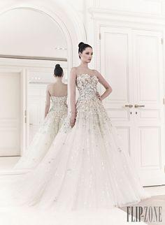 Zuhair Murad - Novias - Primavera-Verano 2014 - Tiana - http://es.flip-zone.com/fashion/bridal/couture/zuhair-murad-3952