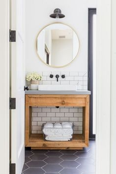 Infrequently you merely desire to offer a room a makeover. Think about the bathroom? ) Many interesting bathroom theories can create your bathroom stunning with only a dab of prefer and decor… Bathroom Spa, Bathroom Faucets, Modern Bathroom, Small Bathroom, Master Bathroom, Neutral Bathroom, Bathroom Ideas, Bathroom Cabinets, Wood Cabinets