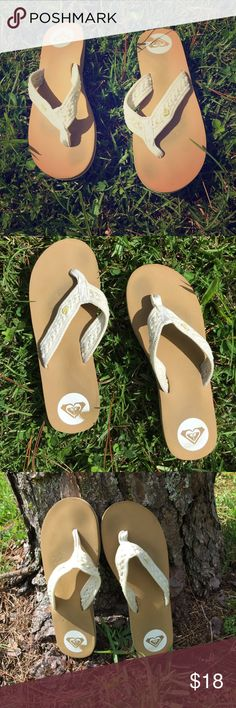 Roxy Sandals (Size: 9) Comfortable Roxy Sandals. Tan and White. Worn a couple of times. (Size: 9) Roxy Shoes Sandals