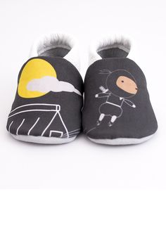 Soft soled baby shoes is perfect for toddlers.