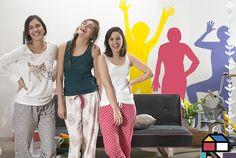Una idea que retrata con estilo a las habitantes de una casa: crea un #mural con las siluetas de cada uno ;)