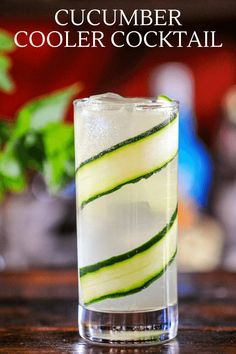 This classic cocktail, the Cucumber Cooler is perfect for the summer. Refreshing and full of flavor with gin, mint, cucumber and lime. Topped with tonic for a refreshing drink. Easy Drink Recipes, Best Cocktail Recipes, Punch Recipes, Cocktail Book, Cocktail Drinks, Fun Drinks, Classic Gin Cocktails, Refreshing Summer Cocktails