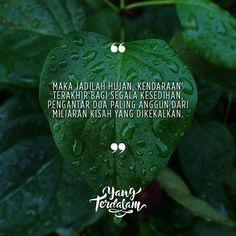 Begitu pula kisah kita, yang kemudian jatuh terkubur jauh dibawah akar.  Kiriman dari @ocha_orion  #berbagirasa  #yangterdalam  #poet #poetry #puisi  #sajak