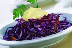 This salad is festive, packed with vitamins, and full of flavor. You'll want to make this a regular at your table. It adds a beautiful touch to any setting and also makes a great topping for fish tacos. Passover Salad Recipe, Passover Recipes, Red Cabbage Salad, Orange Salad, Purple Cabbage, Seder Meal, Pomegranate Salad, Vegetarian Cabbage, How To Make Salad