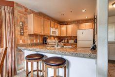 Kitchen, Bay Club Condo, Frisco, Colorado, brought to you by Colorado Rocky Mountain Resorts - Vacation Rentals & Property Management.