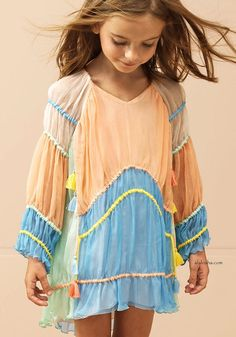 ALALOSHA: VOGUE ENFANTS: Must Have of the Day: Summer shade for little Chloé girls
