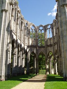 Visiting Ourscamp Abbey ruins at Chiry-Ourscamp, France: destroyed at the French Revolution, but still impressive Travel Around The World, Around The Worlds, French Villa, Abandoned Churches, Shadow Of The Colossus, Oise, French Revolution, Ancient Ruins, Chapelle