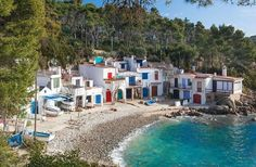 With Costa Brava Coves bike route, you'll discover the Costa Brava that you won't find in travel guides. Costa, Travel Guides, Spain, Bike, Mansions, House Styles, Beach, Nature, Google