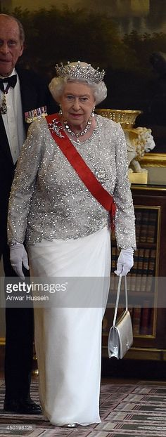 Queen Elizabeth ll arrives for a State Banquet at the Elysee Palace on June 6, 2014 in Paris, France.