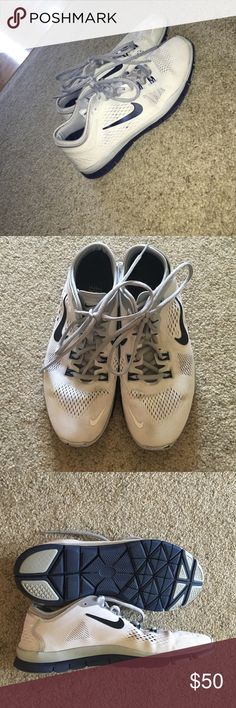 Nike free running shoes Barely worn- great condition Nike Shoes Athletic Shoes