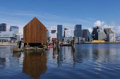 OSLO BOATHOUSE - Strip cladding / modified wood / natural finish / wood look by Kebony Prefab Homes, Energy Efficiency, Oslo, Cladding, San Francisco Skyline, Facade, New York Skyline, Boathouse, Architecture