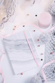 Flatlay, Christmas flatlay, flatlay inspiration, flatlay tips, christmas blog photos, blog photo ideas, pretty flatlay, pink flat lay, blogmas, blogging, christmas blog posts