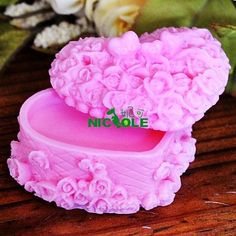 Nicole-heart-shape-jewelry-box-decorating-soap-pillar-silicone-candle-mold