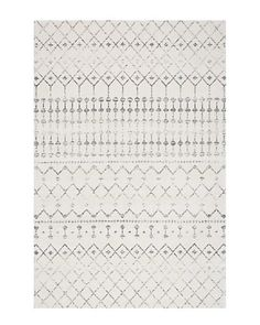 Present an enriching and exquisite look to the floors of your home or office by laying this amazing nuLOOM Blythe Modern Moroccan Trellis Gray Area Rug. Moroccan Area Rug, Modern Moroccan, Moroccan Print, Grey Rugs, Beige Area Rugs, Dark Grey Couches, Sterling Grey, Quilt Set, Polypropylene Rugs
