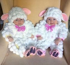 25 Ideas baby outfits funny halloween costumes for 2019 Baby Sheep Costume, Sheep Costumes, Cute Baby Costumes, Baby Girl Halloween Costumes, Matching Costumes, Twin Costumes, Cute Funny Babies, Cute Kids, Adorable Babies