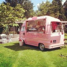 Coffee Truck, Coffee Carts, Ice Cream Van, Ice Cream Parlor, Camping Car Van, Foodtrucks Ideas, Food Trucks, Food Truck Business, Food Vans