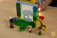 Schattentheater aus DUPLO Steinen You are in the right place about Preschool behavior management Here we offer you the most beautiful pictures about the Preschool photography you are looking for. Science Experiments For Preschoolers, Science For Kids, Activities For Kids, Science Crafts, Preschool Crafts, Kids Crafts, Winter Kids, Christmas Crafts For Kids, Projects For Kids
