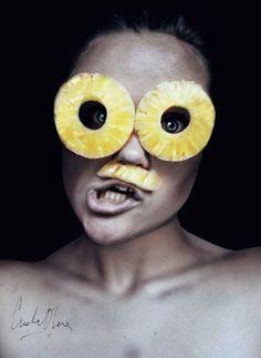 Cristina Otero Photos avec des fruits Cristina Otero ananas